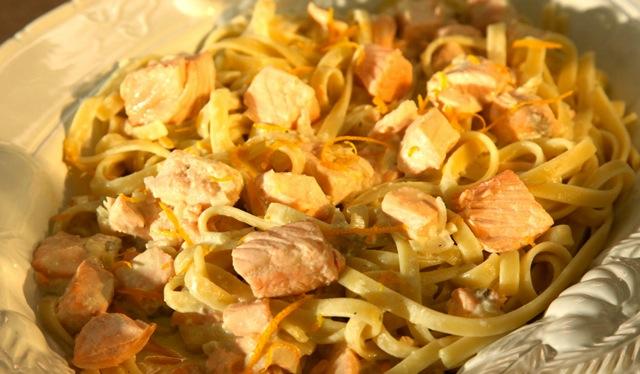 Fettuccine mit Lachs & Orangen-Mascarpone